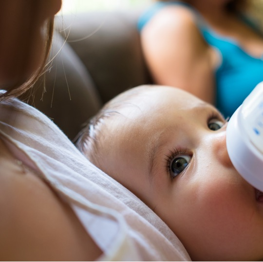 Have your partner, friend, or family member give baby a very small amount of breastmilk in a bottle when he is 3 to 4 weeks old.
